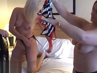 Mature lesbian voyeur girls fingering and pussy pleasuring