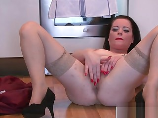 Fetching Milf Sarah Kelly Fucking Consenting Tender Step-son